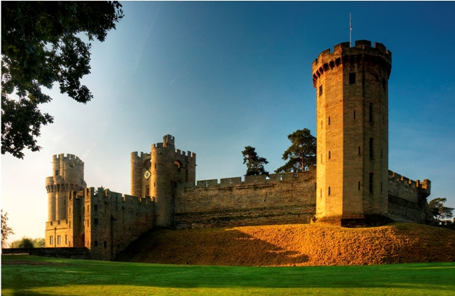Visit Warwick Castle by Canal Boat