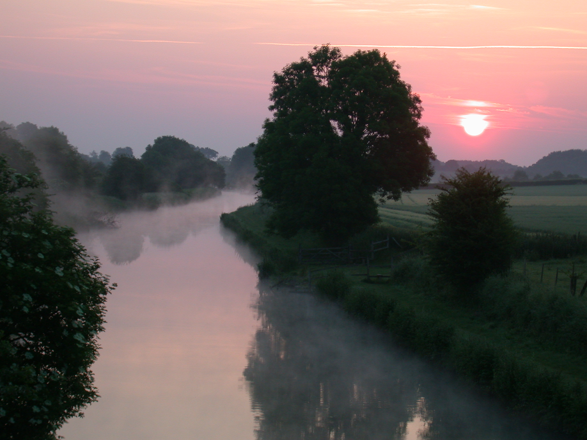 FILMS MADE ON THE CANALS…take a canal boat holiday and follow in the wake of the stars!