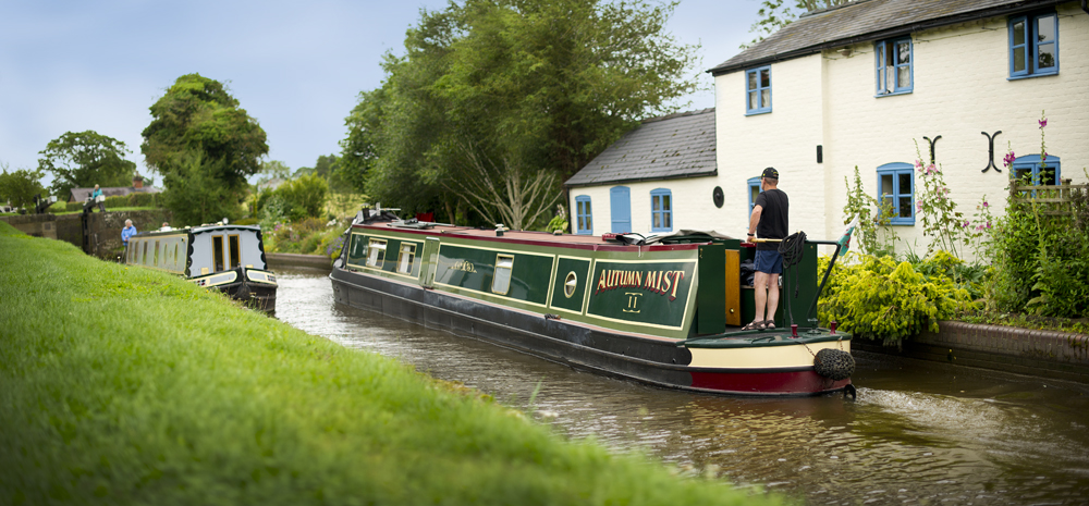 Top 5 Easter Canal Boat Holidays