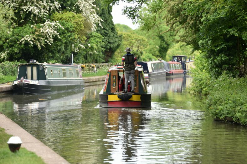 Drifters attends Braunston Historic Boat Rally