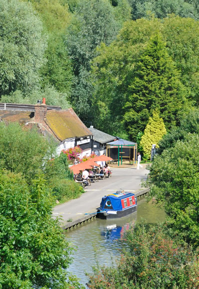 Canal holidays in southern and south west England